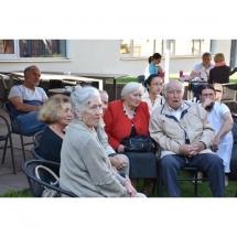 Poetė, Aleksandra Zikaraitė Navakauskienė, poezija, vidurvasario poezijos skaitymai, Gerda Jankevičiūtė, Gediminas Bytautas, kiti