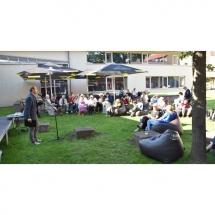 Vidurvasarį, pasitiko, poezijos, skaitymais, kalba, poetas, Darius Rekis, poezija, skaitymai